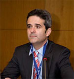fotografía tamaño carnet de Dr. Antonio Ríos Luna